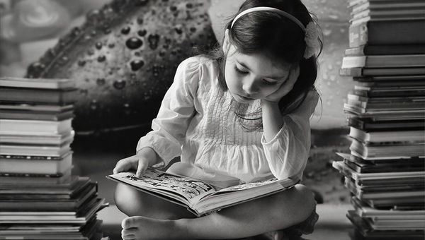 Fotografija tedna �t. 374- Bookworm by immortal