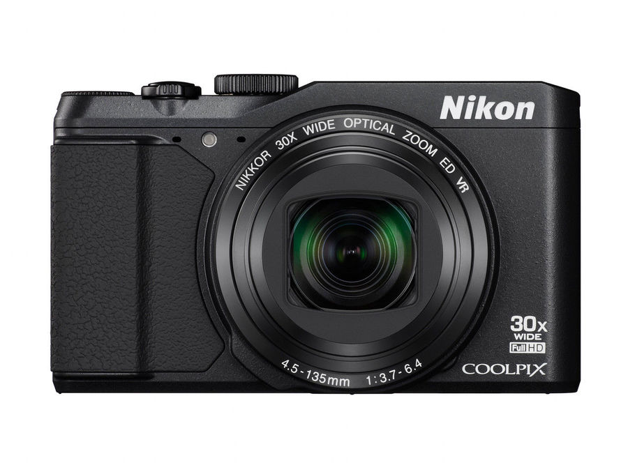 Nikon Coolpix S9900 in S7000